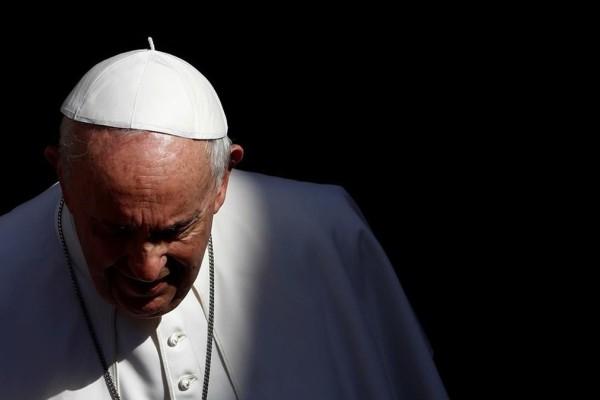 Στο νοσοκομείο ο Πάπας Φραγκίσκος - Η σοκαριστική προφητεία για το τέλος του κόσμου