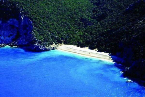 Κουτσουπιά: Η ομορφότερη παραλία της Κεφαλονιάς που λίγοι γνωρίζουν!