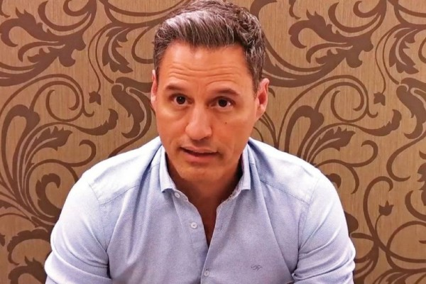 Γρηγόρης Πετράκος: «Δεν υπάρχει τέταρτο κύμα»! «Έπεσε μαύρο» στο προφίλ του στο Facebook - Η επίθεση στον Αρκά και η έκρηξη του Λιάγκα