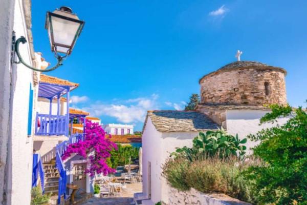 Διακοπές στην πανέμορφη Αλόννησο: 7 επιλογές διαμονής με άριστη βαθμολογία και τιμή μέχρι €50!