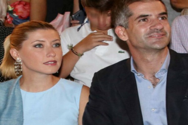 Για πρώτη φορά: Φωτογραφία ντοκουμέντο! Η Κοσιώνη με το νυφικό στον γάμο της με τον Μπακογιάννη