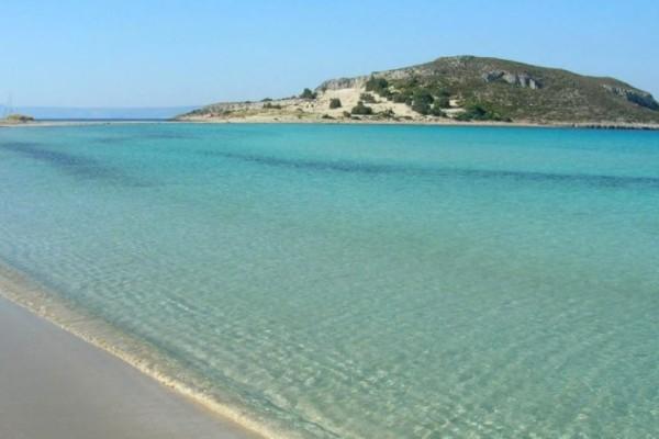 Σίμος: Η εξωτική παραλία που θυμίζει Καραϊβική