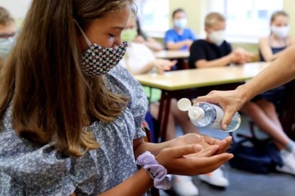 Άνοιγμα σχολείων τον Σεπτέμβριο: Υποχρεωτική μάσκα σε όλα τα παιδιά άνω των 2 ετών