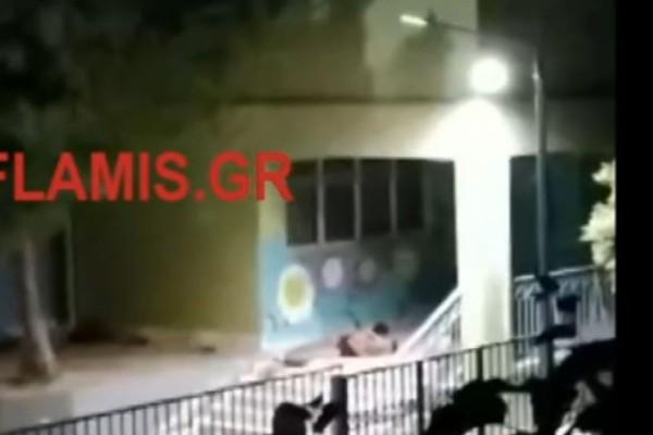 Απίστευτο: Έκαναν σεξ μέσα σε δημοτικό σχολείο - Ξεσηκωμός στη γειτονιά (Βίντεο)