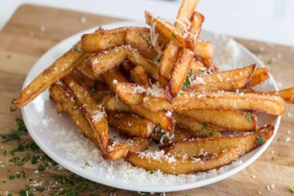 Σας έχουν περισσέψει τηγανητές πατάτες και θέλετε να τις ζεστάνετε ξανά;  Αυτός είναι ο καλύτερος τρόπος!