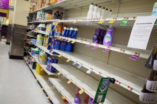Η Βρετανία εμβολιάστηκε και ξαναμπαίνει όλη σε... lockdown! Πανικός στα σούπερ μάρκετ, αδειάζουν τα ράφια!