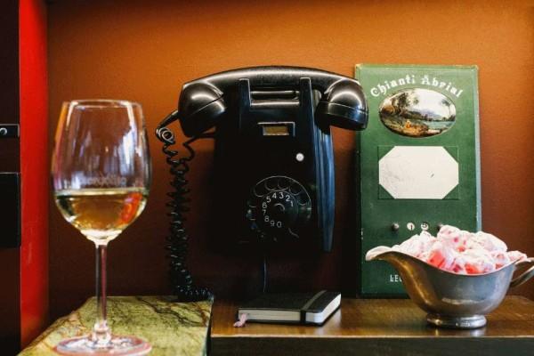 6+1 αγαπημένα wine bar για τους μετρ του είδους!