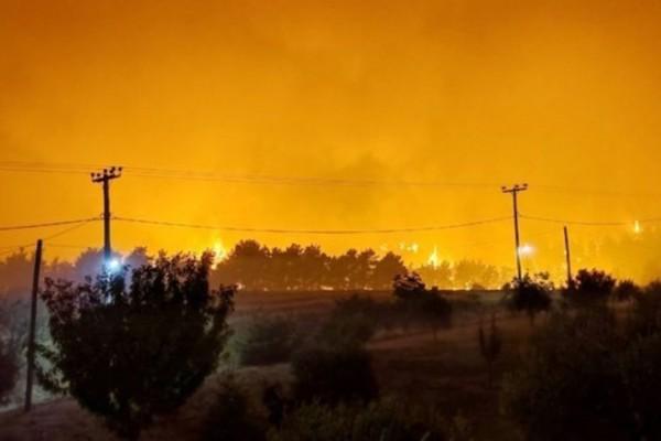 Φωτιά στην Αρχαία Ολυμπία: Μεγάλη αναζωπύρωση στη Νεμούτα – Έκκληση για εναέρια μέσα