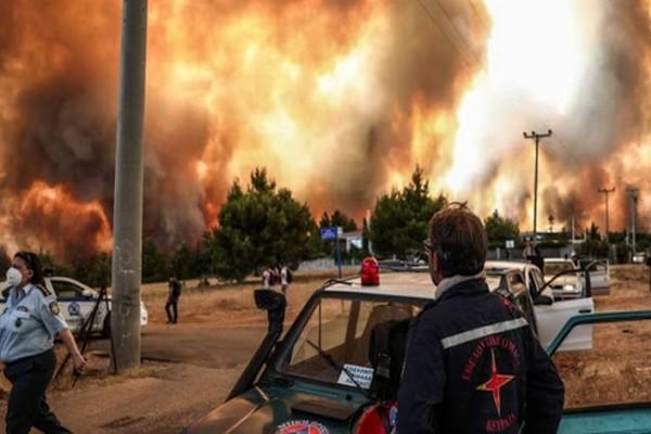 Κόλαση του Δάντη: Η πυρκαγιά εξαπλώθηκε στην Εθνική Τρίπολης - Καλαμάτας! Διακοπή κυκλοφορίας