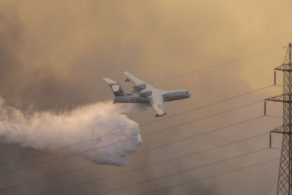 Φωτιά στη Βαρυμπόμπη: Κίνδυνος να μείνει χωρίς ρεύμα ολόκληρη η Ανατολική Αττική!