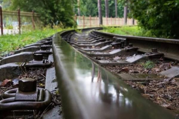 Τραγωδία στη Λάρισα: Πέθανε  η γυναίκα που παρασύρθηκε από τρένο!