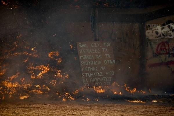 Θρίλερ δίχως τέλος στην Αττική: Μάχες με τις φλόγες σε Βαρυμπόμπη, Θρακομακεδόνες και Μαλακάσα! Νέο μήνυμα από το 112 για εκκένωση περιοχών