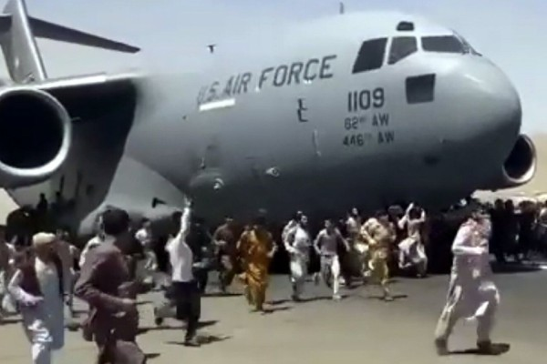 Αφγανιστάν: Βρέθηκαν ανθρώπινα μέλη σε τροχούς αεροσκάφους στην Καμπούλ