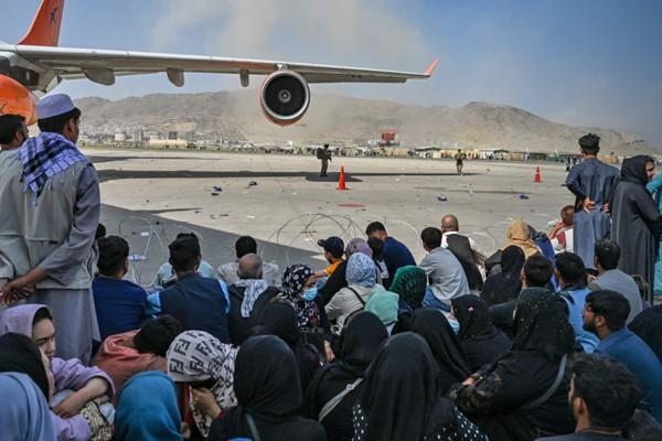 Αφγανιστάν - Αεροδρόμιο Καμπούλ: Τουλάχιστον 20 νεκροί, αγνοούνται παιδιά