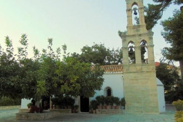 Κρήτη: Εκκλησία μετατρέπεται σε εμβολιαστικό κέντρο – Όσα δήλωσε ο ιερέας