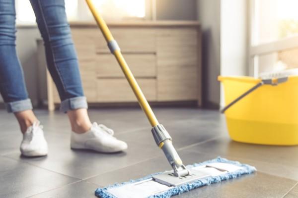 3 + 1 «μαγικά» φυσικά προϊόντα για να καθαρίσετε το σπίτι σας