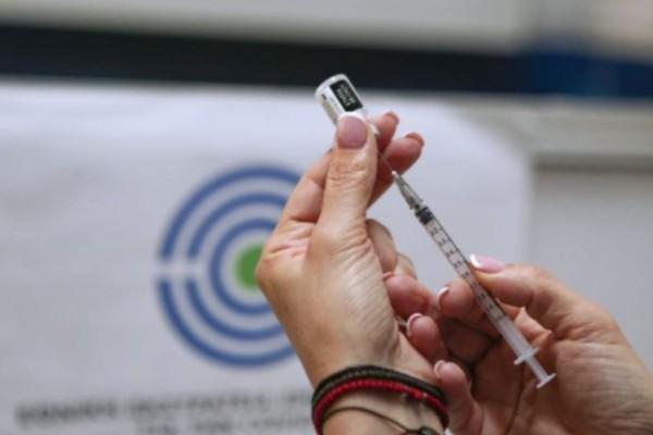 Τελειώνει το ψέμα: Γι' αυτό αυξάνονται ραγδαία οι νοσηλείες των πλήρως εμβολιασμένων