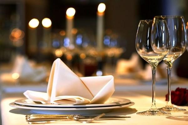 Ανοιχτοχέρης πελάτης εστιατορίου άφησε φιλοδώρημα 10.000 δολαρίων