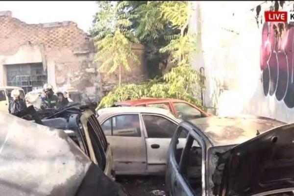 Φωτιά στην Κυψέλη: Αυτοκίνητα τυλίχτηκαν στις φλόγες (Video)