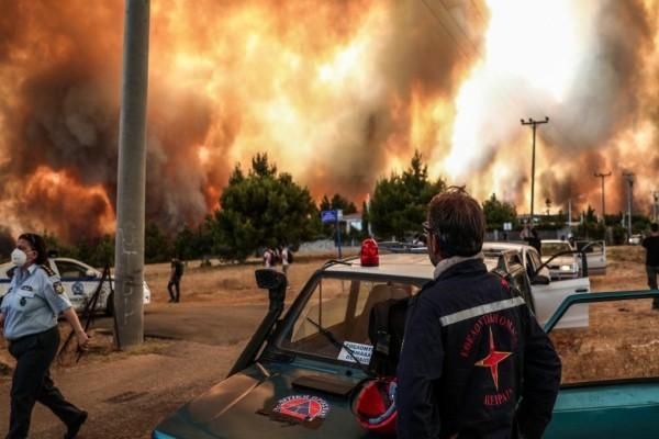 Φωτιά στην Αττική: Εκκενώθηκε πλήρως η δομή μεταναστών στη Μαλακάσα