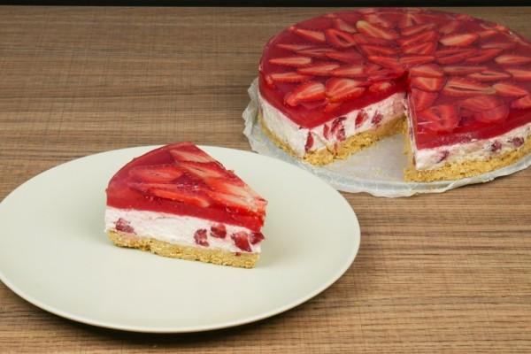 Γρήγορο και εύκολο γλυκό με φράουλες