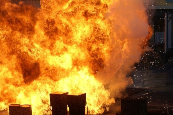 Καζακστάν: Μεγάλη έκρηξη σε αποθήκη πυρομαχικών - 9 νεκροί