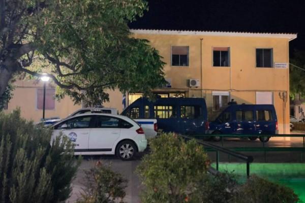 Κρήτη: Προφυλακιστέοι και οι επτά κατηγορούμενοι για την άγρια επίθεση σε μετανάστες
