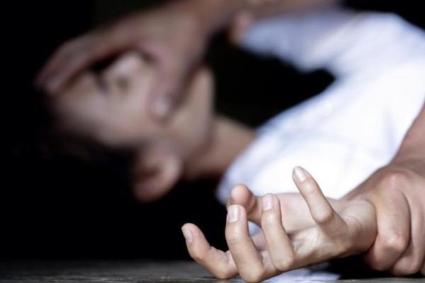 Κρήτη: Ξυλοκόπησε τη σύζυγό του μπροστά στο παιδί τους