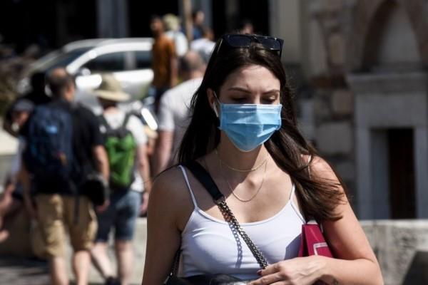 Θεόδωρος Βασιλακόπουλος: «Ξαναγίνεται υποχρεωτική η χρήση μάσκας σε όλους τους χώρους»