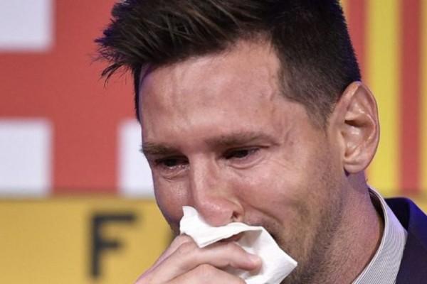 Απίστευτο: Σε δημοπρασία το χαρτομάντηλο του Μέσι που σκούπισε τα δάκρυα του