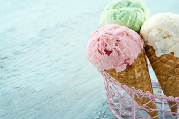 Μεγάλη Προσοχή: Γιατί δεν πρέπει να τρώμε παγωτό όταν κάνει πολλή ζέστη