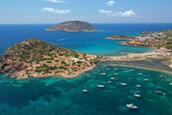 Παραλίες Αττικής: Ο μικρός «Μπάλος» που βρίσκεται δίπλα σου