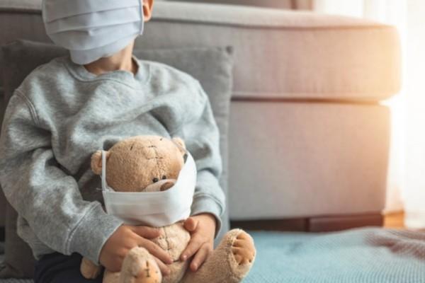 Κορωνοϊός – Τζανάκης: Πιθανές οι χρόνιες επιπλοκές σε παιδιά αν νοσήσουν βαριά