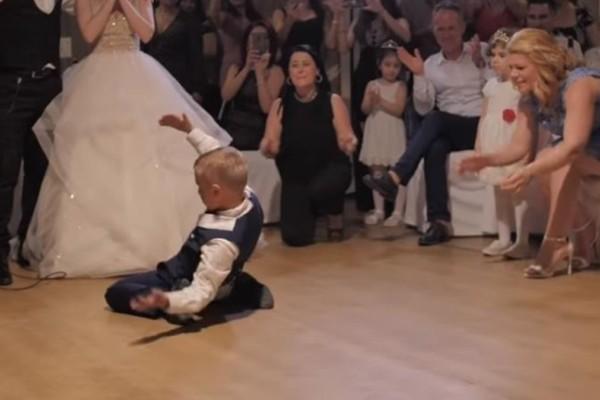 Το απίστευτο ζεϊμπέκικο ενός 8χρονου πιτσιρικά που έχει ξεπεράσει τις 5 εκατ. προβολές