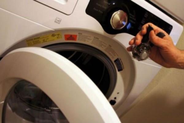 Βάζει πιπέρι στo πλυντήριο! Το κόλπο που θα σας ξετρελάνει