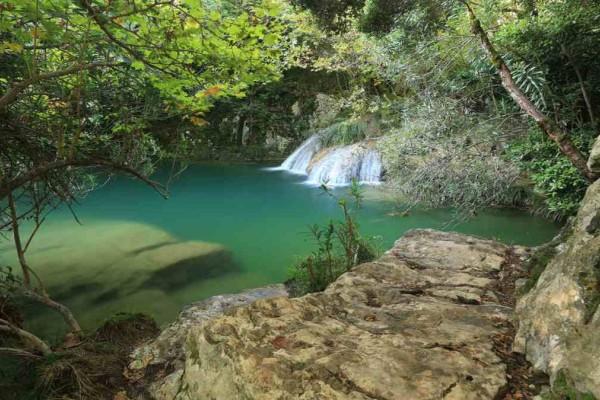 Πολυλίμνιο: Εκδρομή σε έναν επίγειο παράδεισο!