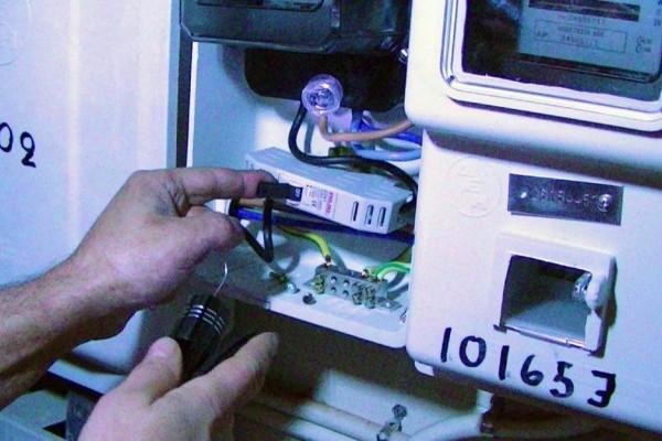 ΔΕΔΔΗΕ: Έξυπνοι μετρητές βάζουν τέλος στις ρευματοκλοπές