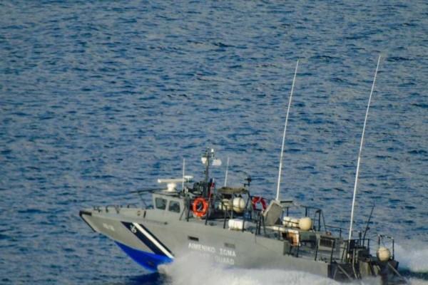 Θρίλερ στη Μήλο: Βυθίστηκε σκάφος με 18 επιβάτες