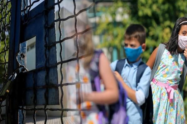Στον «αέρα» το άνοιγμα σχολείων: Χωρίς lockdown όταν εντοπιστούν κρούσματα - Αντιδράσεις για τους ανεμβολίαστους εκπαιδευτικούς