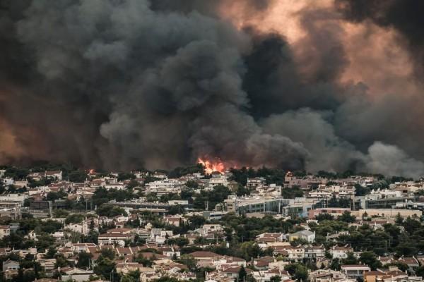 Πρώτες εκτιμήσεις για την φωτιά στη Βαρυμπόμπη: «Έσκασε» μετασχηματιστής υψηλής τάσης