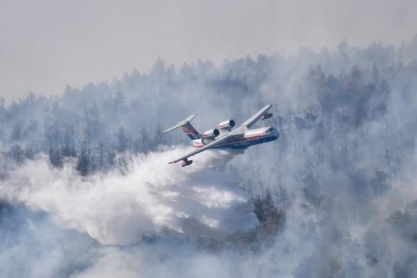 Φωτιά στα Βίλια: ΕΔΕ για την παραλίγο αεροπορική τραγωδία με το ρωσικό Ιλιούσιν