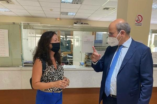 «Καλημέρα, είμαι ο υπουργός - Πιστέψτε με!»: Υπάλληλος του ΕΦΚΑ δεν αναγνώρισε τον Κωστή Χατζηδάκη