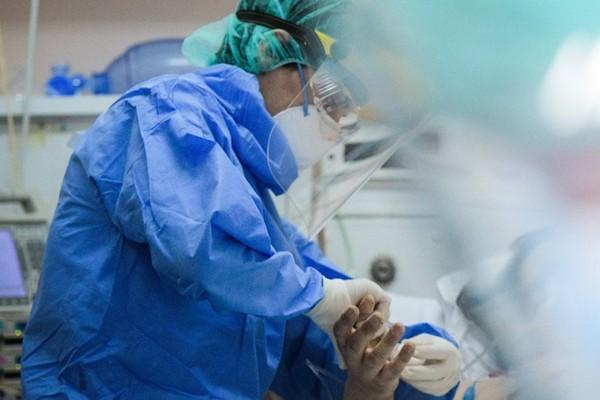 Το ψέμα αποκαλύπτεται: Ο αριθμός των διασωληνωμένων στο Σωτηρία που είναι πλήρως εμβολιασμένοι διαλύει τον μύθο