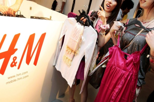 H&M: Το girly φόρεμα που θα λατρέψεις - Κοστίζει μόνο 19,99 ευρώ!