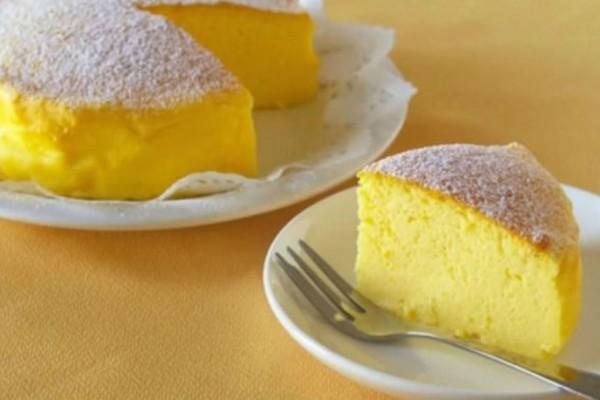 Ιαπωνικό cheesecake: Το πιο αφράτο γλυκάκι που φάγατε ποτέ με τρία μόνο υλικά
