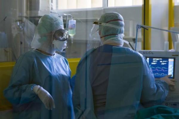 Αναβρασμός στο ΕΣΥ: Καταρρέει εν μέσω πανδημίας! Σε αναστολή εργασίας οι ανεμβολίαστοι υγειονομικοί - Τι ισχύει από σήμερα
