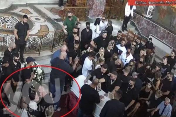 Κηδεία Mad Clip: Σπαράζει καρδιές η Αρετή - Απαρηγόρητη πάνω από το φέρετρο του αγαπημένου της