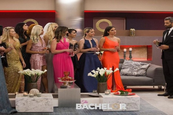 The Bachelor 2 - highlights 7/9: Οι 21 ασύλληπτες παίκτριες, το νοσοκομείο και η διπλή αποχώρηση