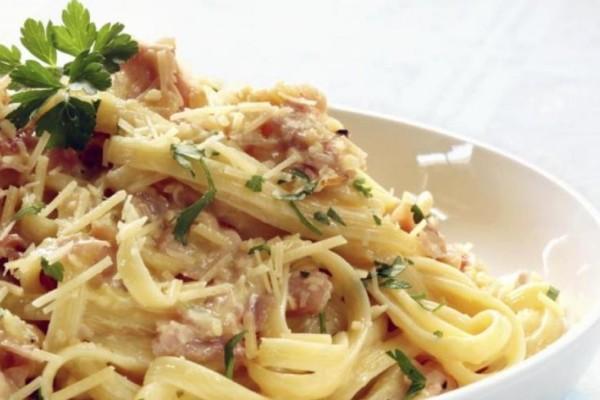 Ο πιο εύκολος τρόπος να φτιάξετε αυθεντική ιταλική καρμπονάρα!