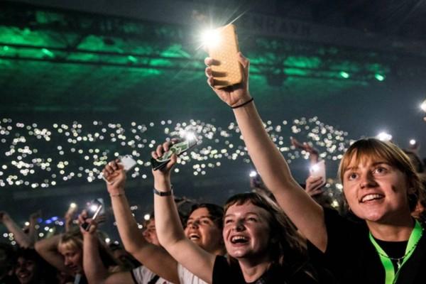 Τέλος στην πανδημία βάζει η Δανία: Συναυλία 50.000 θεατών χωρίς μάσκες και αποστάσεις!